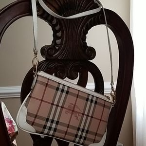 Burberry  peyton haymarket crossbody bag